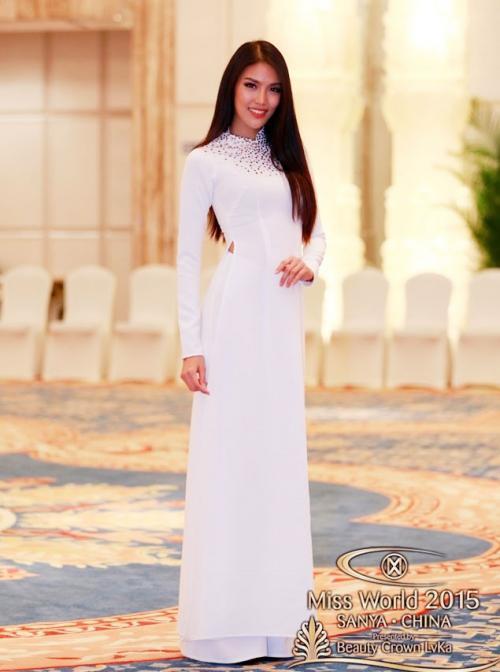 Những bộ áo dài giúp các đại diện Việt làm nên chuyện ở đấu trường nhan sắc quốc tế-5