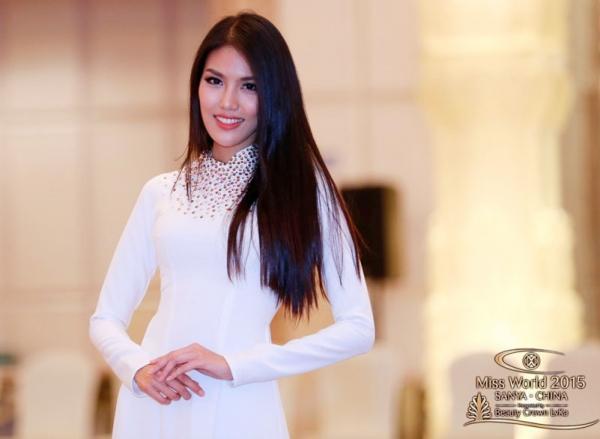 Những bộ áo dài giúp các đại diện Việt làm nên chuyện ở đấu trường nhan sắc quốc tế-6