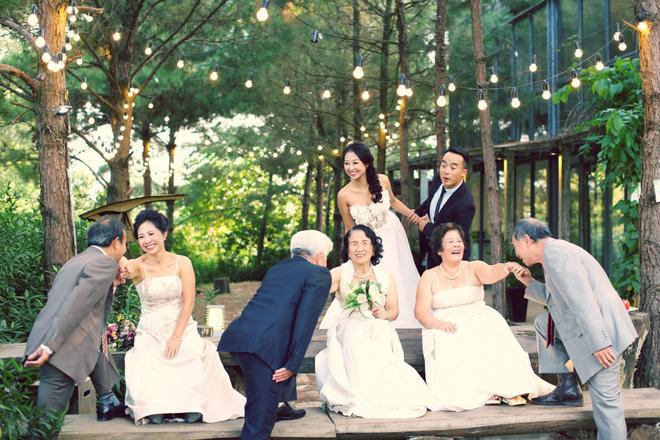 Cả Hà Nội mới có một gia đình yêu tận tim: Ông bà, thông gia cưới cùng cô dâu, chú rể vui như thế này!-1