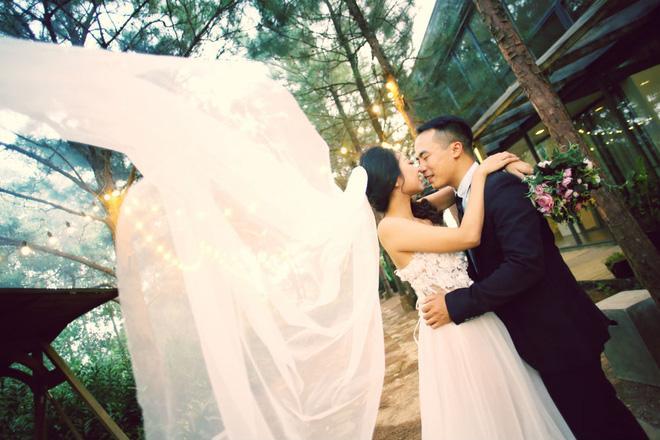 Cả Hà Nội mới có một gia đình yêu tận tim: Ông bà, thông gia cưới cùng cô dâu, chú rể vui như thế này!-11