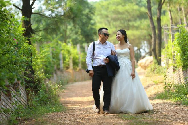 Cả Hà Nội mới có một gia đình yêu tận tim: Ông bà, thông gia cưới cùng cô dâu, chú rể vui như thế này!-13