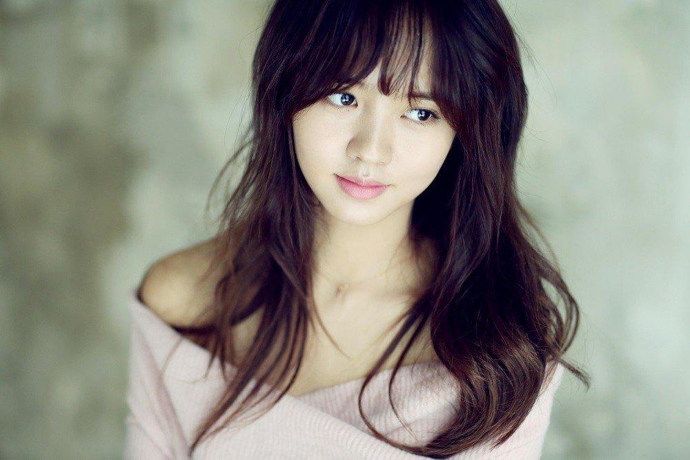 Sao Hàn 9/11: Bà xã Bae Yong Joon rạng rỡ xinh đẹp, khéo léo che bụng bầu-9