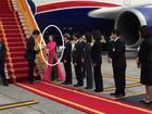 Nữ sinh áo dài hồng vinh dự tặng hoa Thủ tướng Canada là ai?