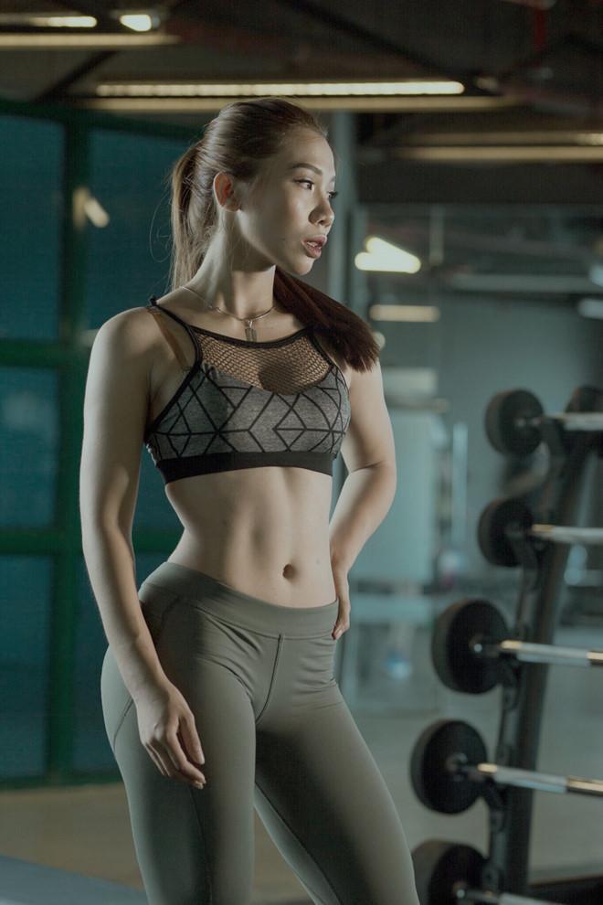 Nữ huấn luyện viên tăng 9 kg vẫn sở hữu vòng eo 59 cm-5