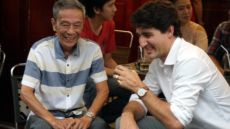 Thủ tướng Canada thưởng thức cà phê sữa vỉa hè Sài Gòn-2