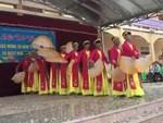 Clip nam sinh Nghệ An mặc áo tứ thân múa quạt cực dẻo