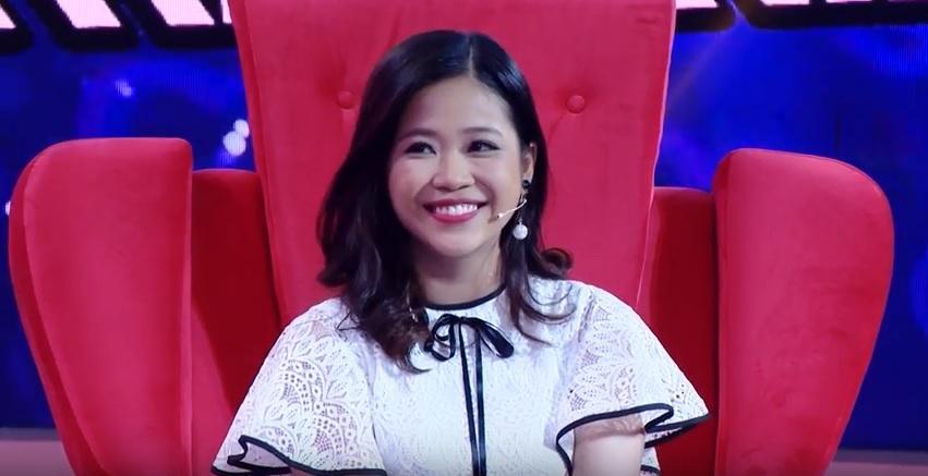 Vì yêu mà đến: Cô sinh viên trường báo tỏ tình thành công, nắm tay Quang Bảo rời khỏi chương trình-1