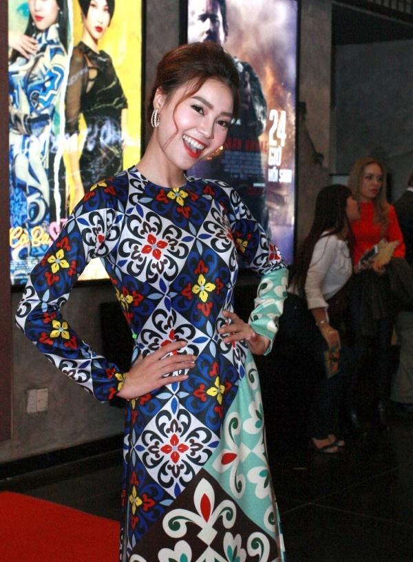 Dàn mỹ nhân Việt rực rỡ với áo dài họa tiết tham dự ra mắt phim Cô Ba Sài Gòn-4