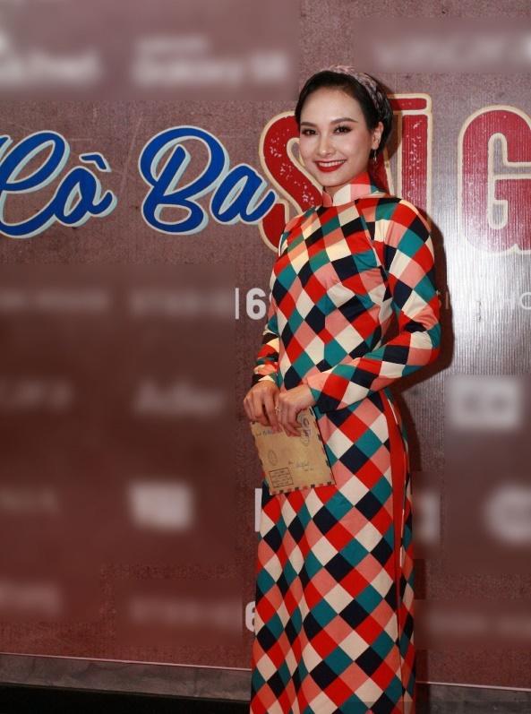 Dàn mỹ nhân Việt rực rỡ với áo dài họa tiết tham dự ra mắt phim Cô Ba Sài Gòn-8