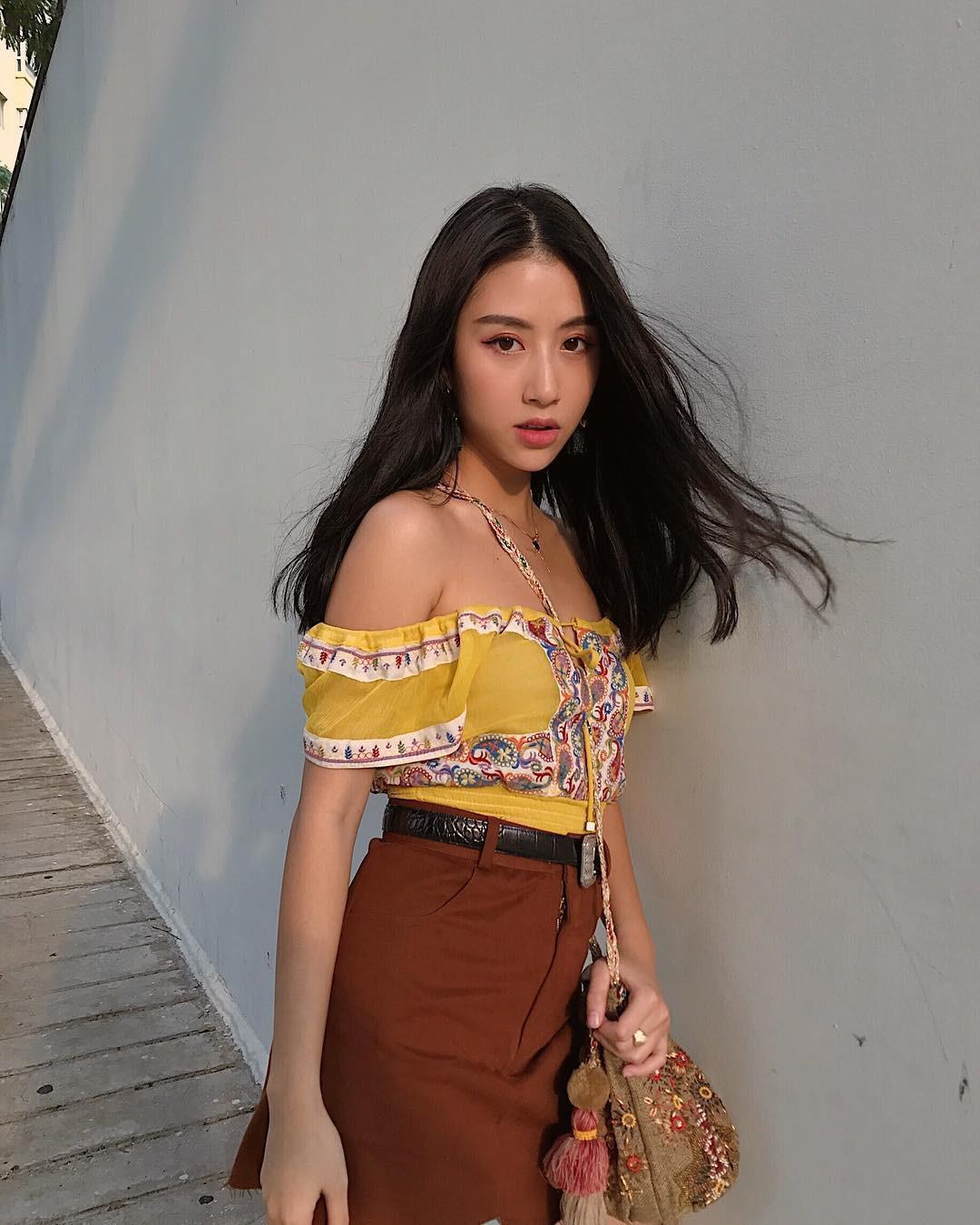 Mặc giống Hoàng Ku, Quỳnh Anh Shyn, Kỳ Duyên đã đành, Khánh Linh còn đụng hàng cả Tiffany-6