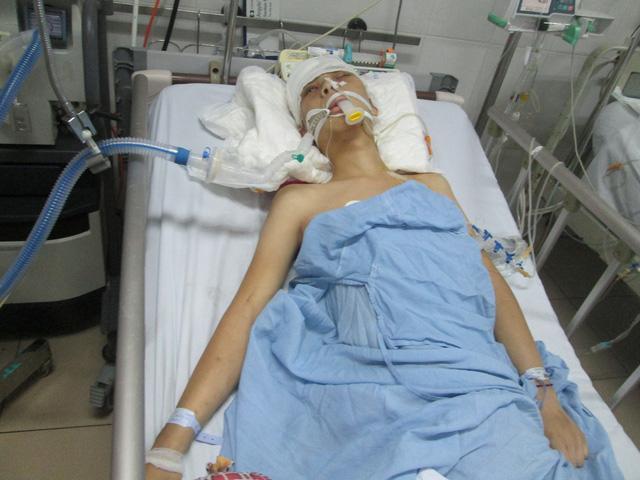 Sự sống lay lắt của chàng trai 18 tuổi bị chấn thương sọ não khi về nhà giúp mẹ gặt lúa-2