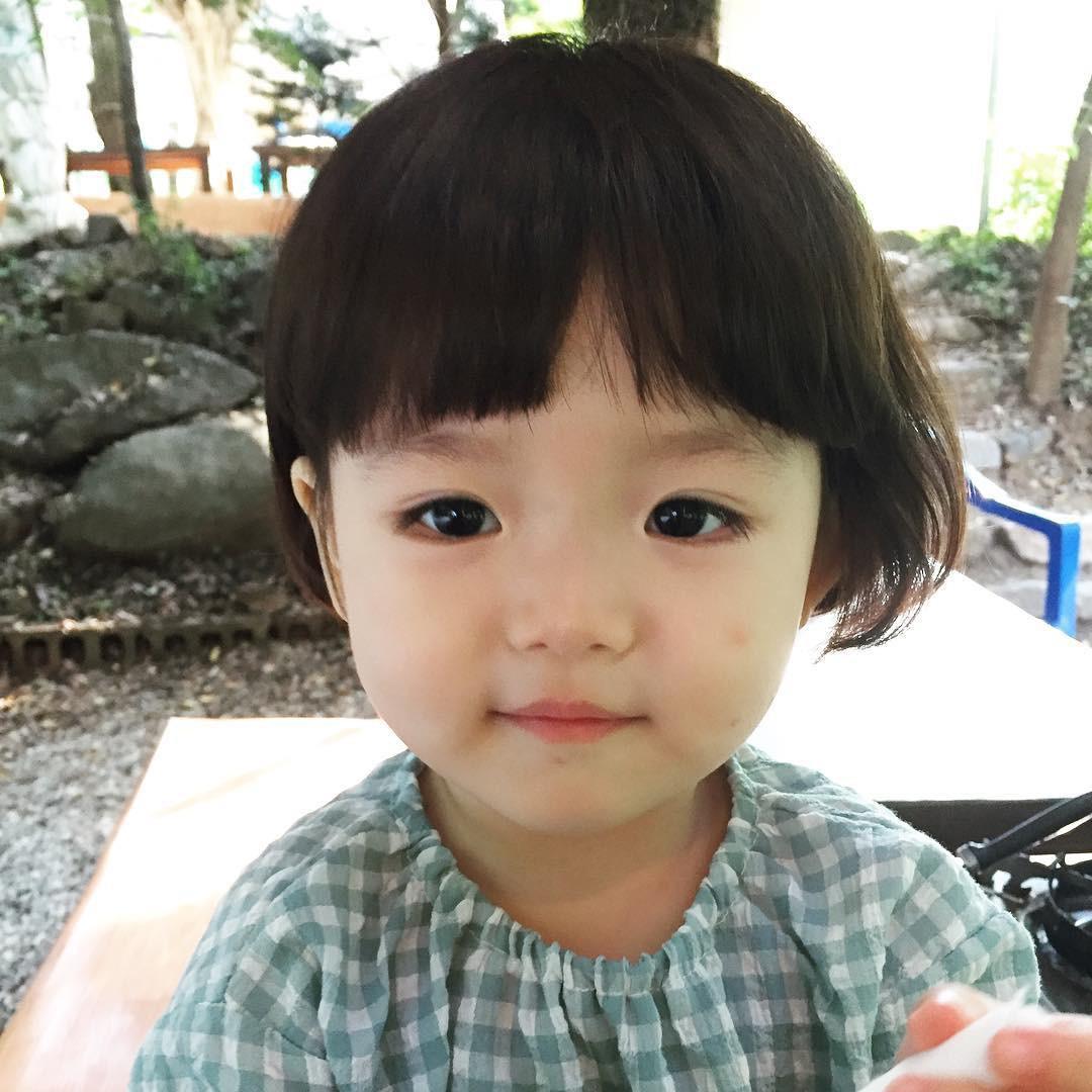 Cô nhóc Hàn Quốc đáng yêu đến độ xem ảnh chỉ muốn sinh con gái ngay và luôn-3