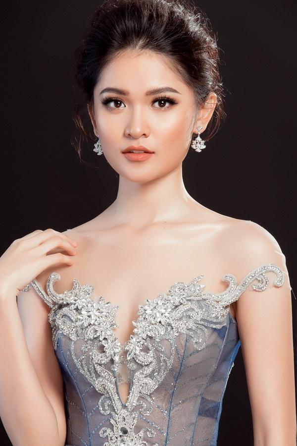 Cận cảnh trang phục dạ hội chính thức của Thùy Dung tại Hoa hậu Quốc Tế 2017-2