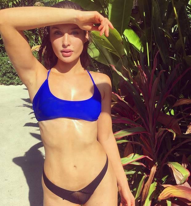 Bạn muốn sống khỏe như những ngôi sao Instagram: Tham khảo ngay thói quen ăn uống của người mẫu Roz Purcell-5
