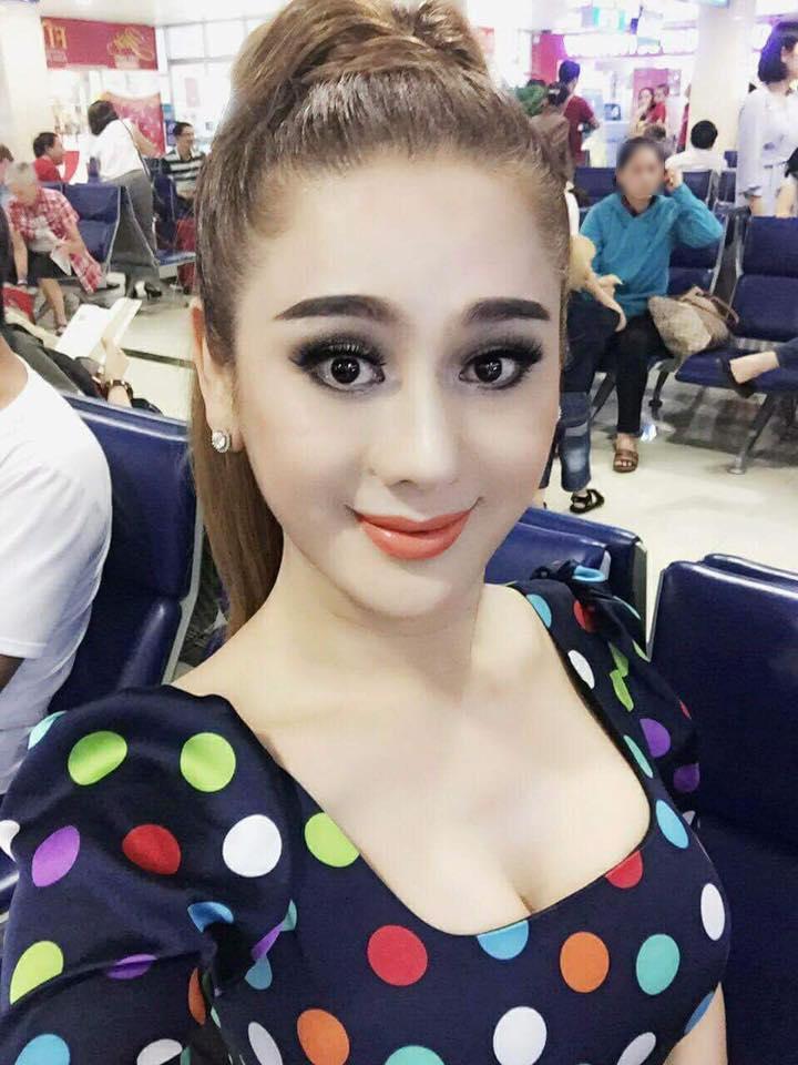 Tin sao Việt 10/11: Lâm Khánh Chi trước thời khắc mặc váy cô dâu vào thánh đường-1