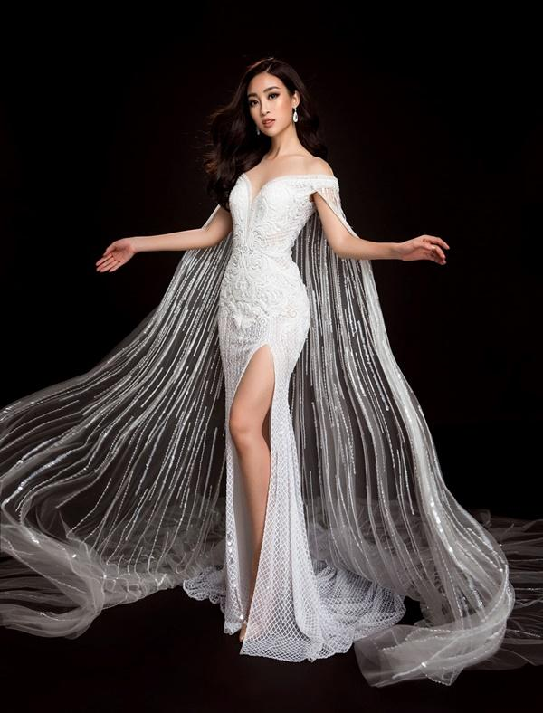 Đỗ Mỹ Linh chọn đầm xẻ tà cao khoe chân dài tại Miss World-3