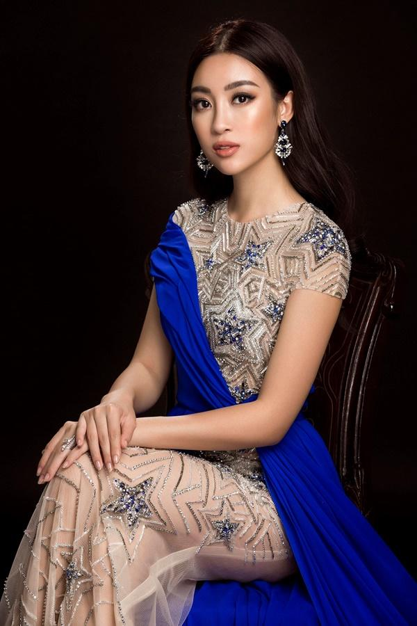 Đỗ Mỹ Linh chọn đầm xẻ tà cao khoe chân dài tại Miss World-5