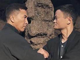 HOT: Lộ clip 7 phút tỷ phú Jack Ma đấu tay đôi với Ngô Kinh, Lý Liên Kiệt