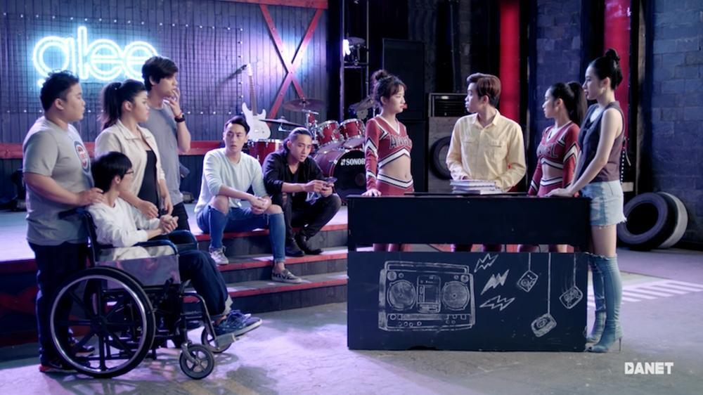 CLB Glee nhí nhảnh khoe giọng trong MV triệu lượt xem Say you do-1