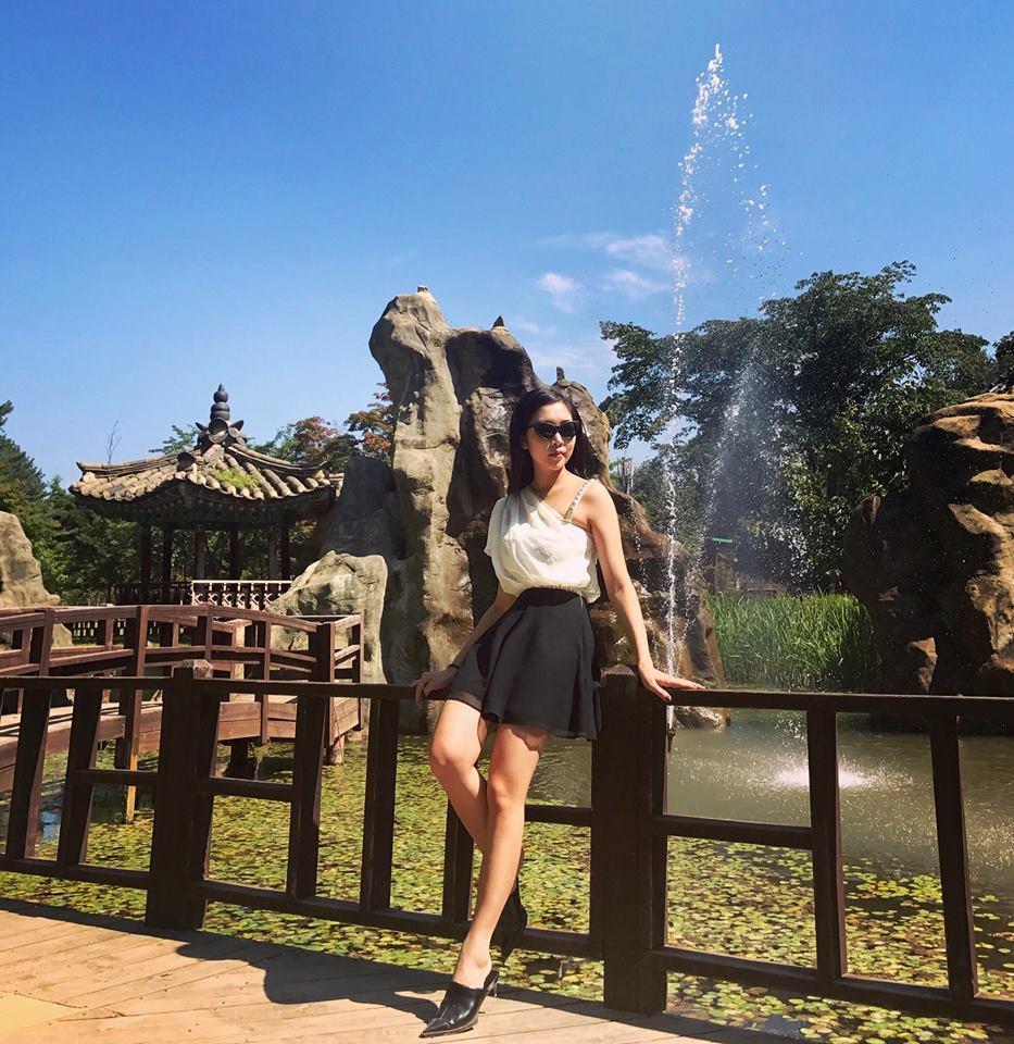 Cô gái Việt được chàng giám đốc Singapore cầu hôn bằng... nhẫn nhựa, cưới về chiều như công chúa-2