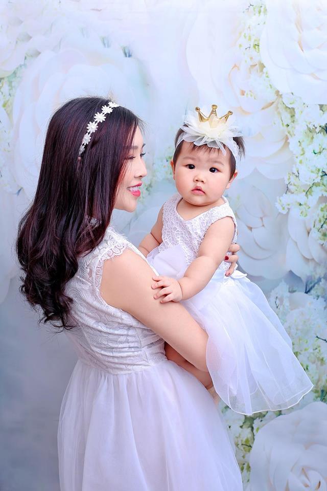Cô gái Việt được chàng giám đốc Singapore cầu hôn bằng... nhẫn nhựa, cưới về chiều như công chúa-11