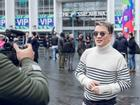 Đàm Vĩnh Hưng mang 80kg trang phục, phụ kiện tới tham dự MTV Châu Âu 2017