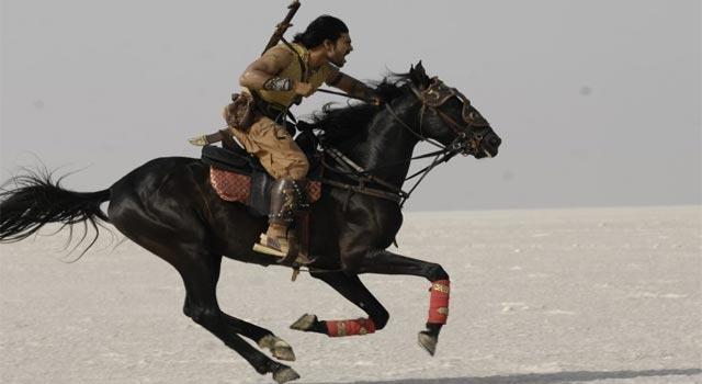 Hollywood cũng phải vái lạy phim Ấn Độ: Cảnh giải cứu ngoạn mục vượt xa sự viễn tưởng-5