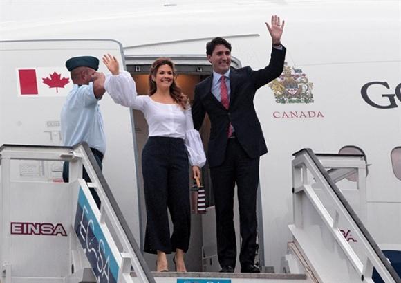 Không chỉ đẹp trai xinh gái, vợ chồng thủ tướng Canada còn đồng điệu về thời trang khi xuất hiện trước công chúng-3