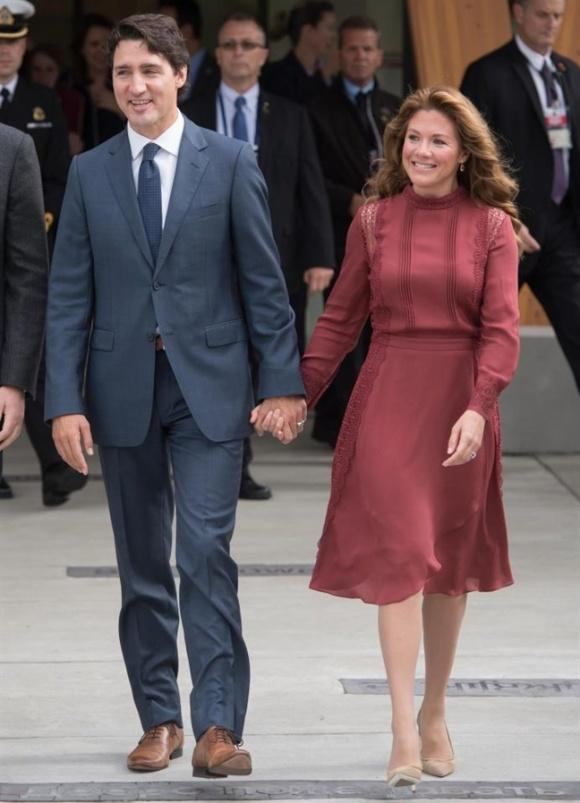 Không chỉ đẹp trai xinh gái, vợ chồng thủ tướng Canada còn đồng điệu về thời trang khi xuất hiện trước công chúng-4