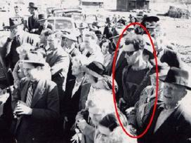 Sự thực phía sau bức ảnh xuyên không nổi tiếng: Mặc áo thể thao, đeo kính râm, cầm máy ảnh cơ vào năm 1941