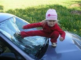 16 khoảnh khắc cười ra nước mắt với trò nghịch ngợm tinh quái của trẻ con