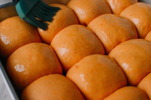 Bánh mì bí đỏ thơm ngon, hấp dẫn cho bữa sáng-5