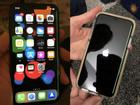 iPhone X dính lỗi sọc xanh màn hình, người dùng hoang mang
