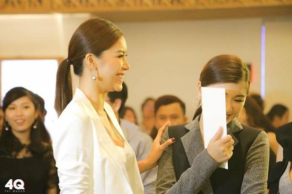 Minh Tú - Đồng Ánh Quỳnh đích thị là cặp thầy trò tình nhất showbiz-9