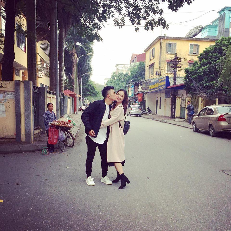 Hot girl - hot boy Việt 15/11: Quỳnh Kool công khai khóa môi bạn trai-4