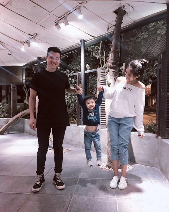 Hot girl - hot boy Việt 15/11: Quỳnh Kool công khai khóa môi bạn trai-9
