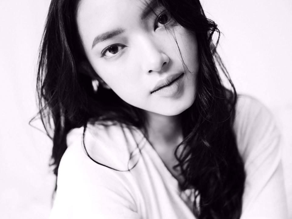 Hot girl - hot boy Việt 15/11: Quỳnh Kool công khai khóa môi bạn trai-2