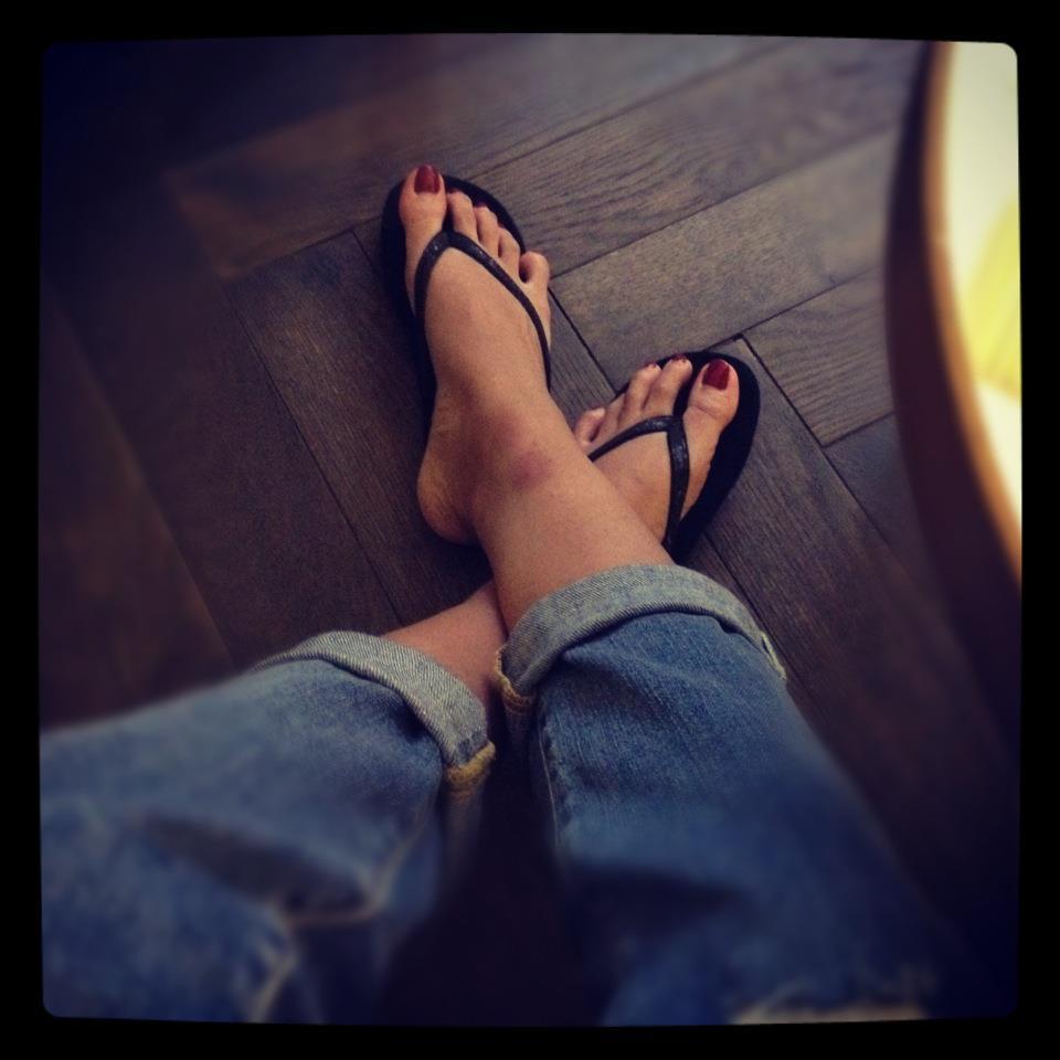 Là đệ nhất chân dài Việt Nam, nhưng Thanh Hằng lại chỉ mê mẩn dép lào-7