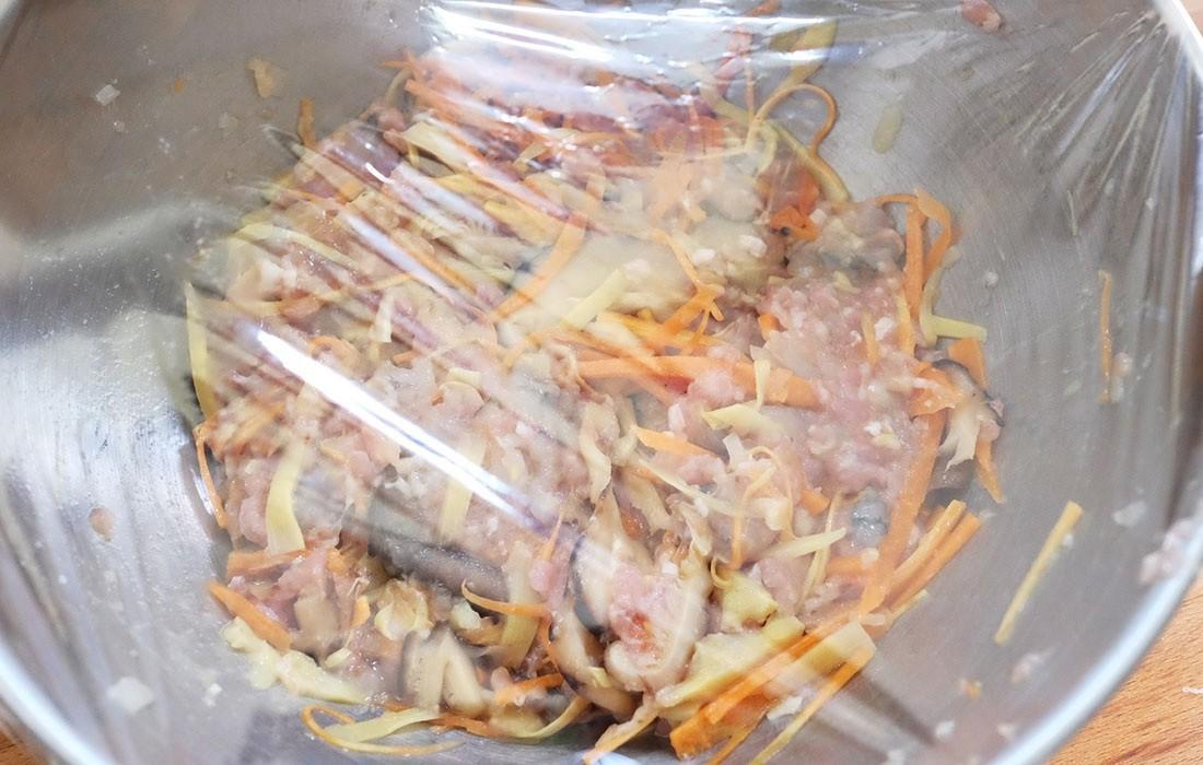 Để có món chả giò rế tôm thịt giòn lâu mà không ngấm dầu mỡ, bạn hãy đọc ngay bài viết này-2