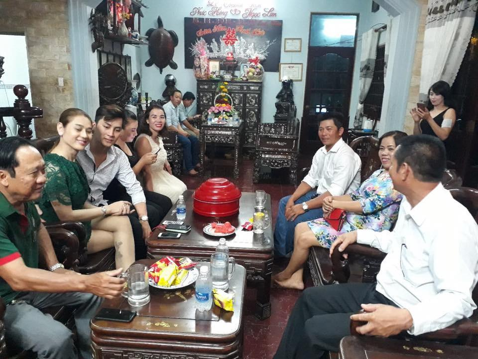 Lâm Khánh Chi bật khóc trong ngày dạm ngõ với chồng trẻ kém 8 tuổi-2