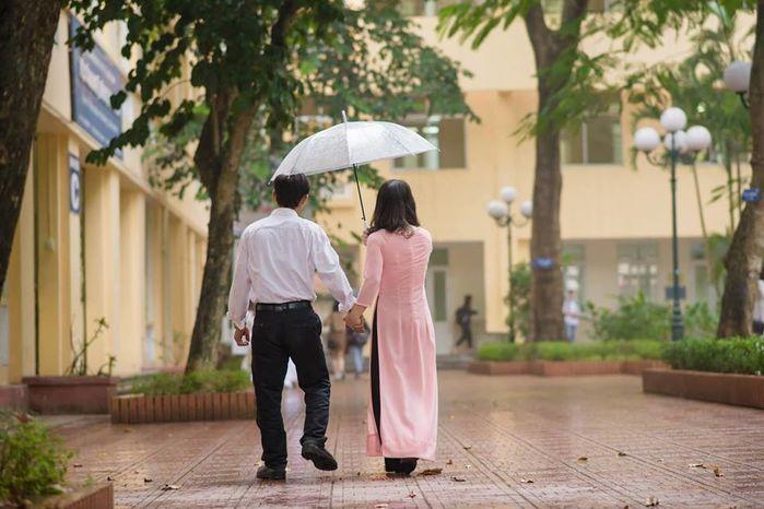 Bộ ảnh kỉ yếu ngày mưa của bố và con gái gây xúc động mạnh-2