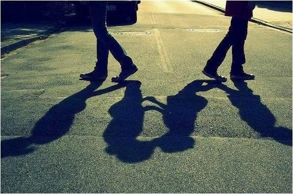 Phải làm gì khi có kẻ thứ 3 xen vào cuộc tình của bạn?-3