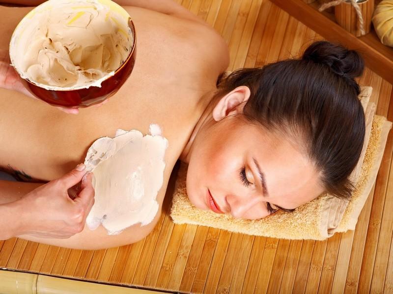 Dùng cám gạo để làm đẹp da được không?