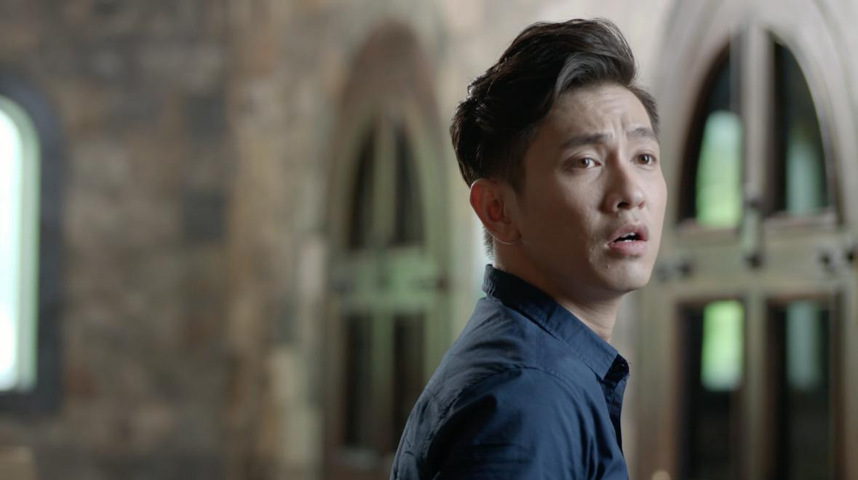 Glee: Hữu Vi và Rocker Nguyễn đánh nhau điên loạn vì Angela Phương Trinh-6