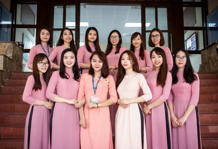 CLB toàn trai xinh gái đẹp tham gia APEC của Học viện Ngoại giao-6