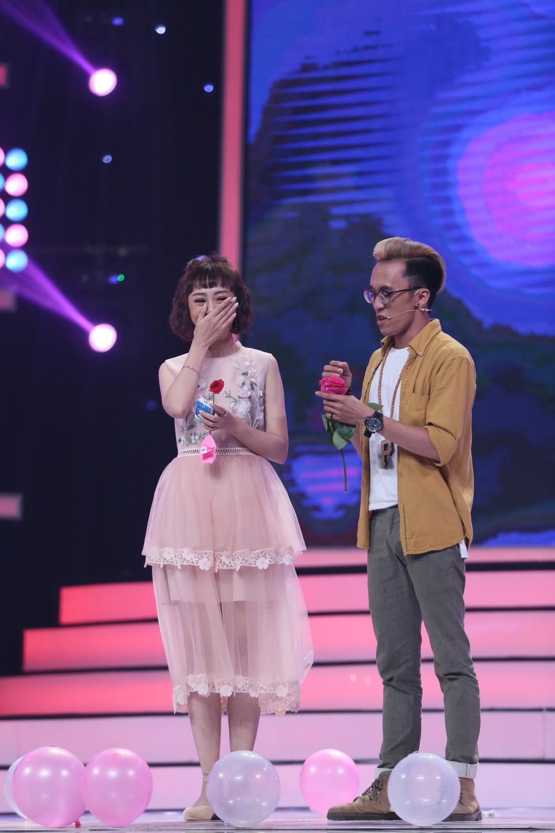 Vì yêu mà đến: Tường tận về người yêu, màn tỏ tình của chàng trai Thái Nguyên khiến dàn hot girl đồng loạt rơi nước mắt-9