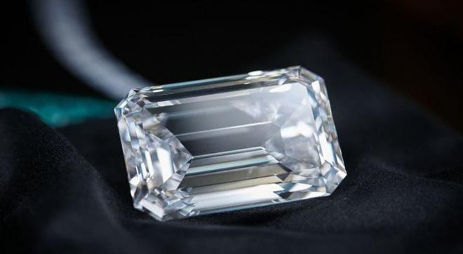 Trông bé thế thôi nhưng viên kim cương này có giá còn đắt hơn 200 căn hộ chung cư-2
