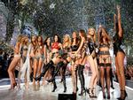Ngày diễn gần kề, Victoria's Secret Show gặp rắc rối lớn vì nhiều người mẫu không thể xin visa nhập cảnh Trung Quốc