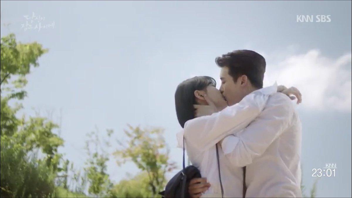 Khi nàng say giấc tập cuối: Lee Jong Suk hôn Suzy cực ngọt ngào-3