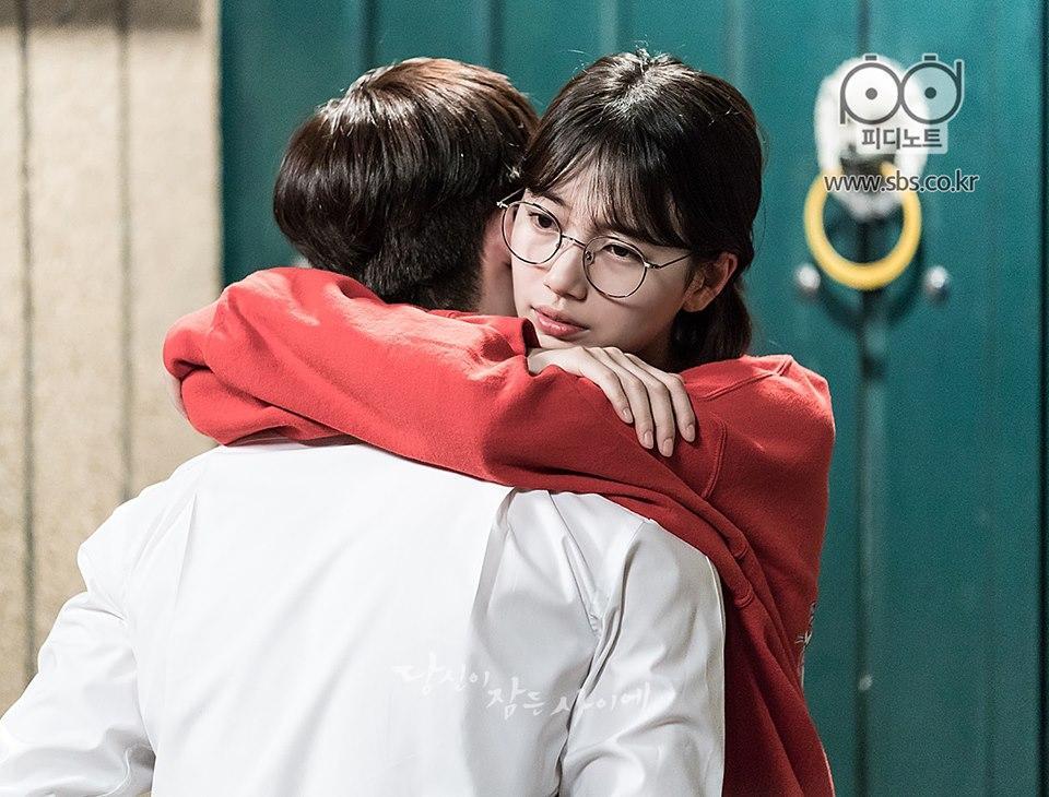 Khi nàng say giấc tập cuối: Lee Jong Suk hôn Suzy cực ngọt ngào-7